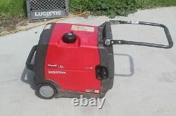 Honda EU3000I Handi inverter gas powered Generator
