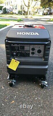 Honda Eu3000is Quiet Portable Onduleur Générateur Parallèle Puissance Gaz Neuf